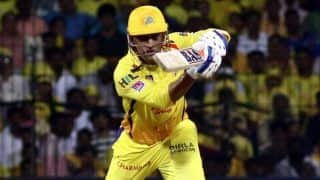 MS Dhoni Gets TROLLED For Not Coming up The Order And Negative Mindset During RR vs CSK Dream11 IPL Match in Sharjah